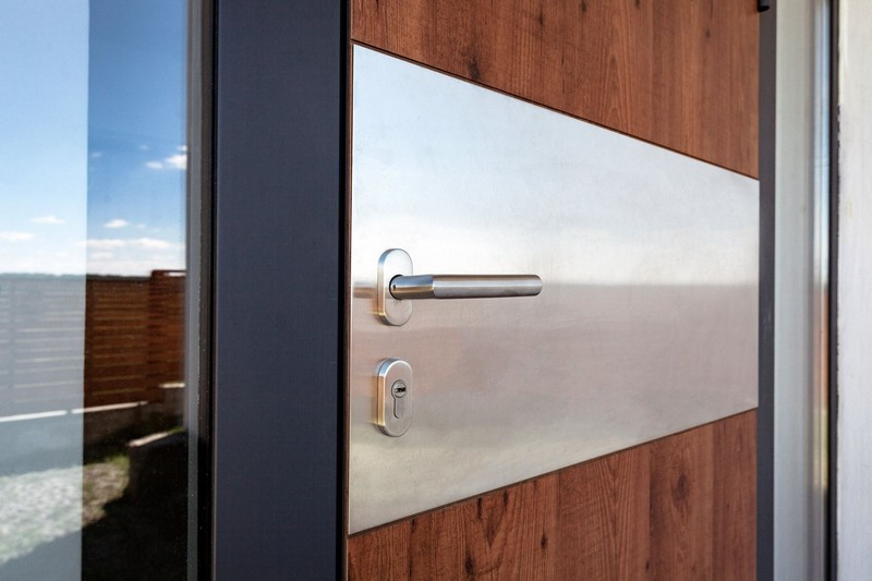 Двери из HPL Fundermax в частном доме