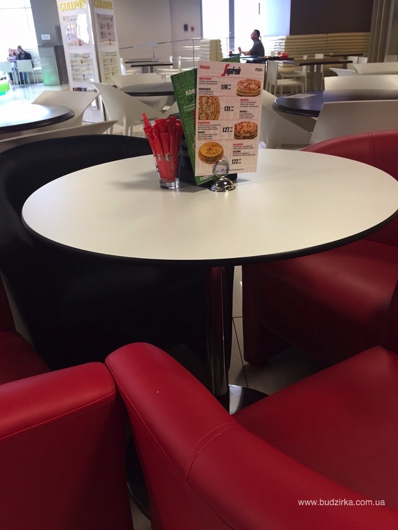 Столы из HPL панелей FunderMax в Кафе Segafredo Zanetti Espresso