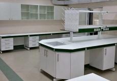 Использование hpl панели Max Resistor в медицинской мебели