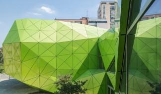 Школа искусств с динамическим фасадом